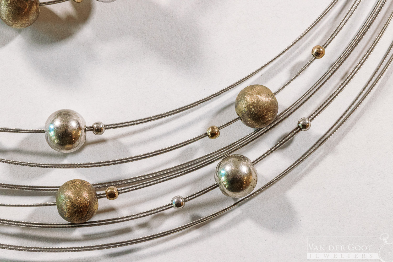 Yo Design set zilver, T0947 Venus Gold  Collier - €139,-   Armband - €129,-