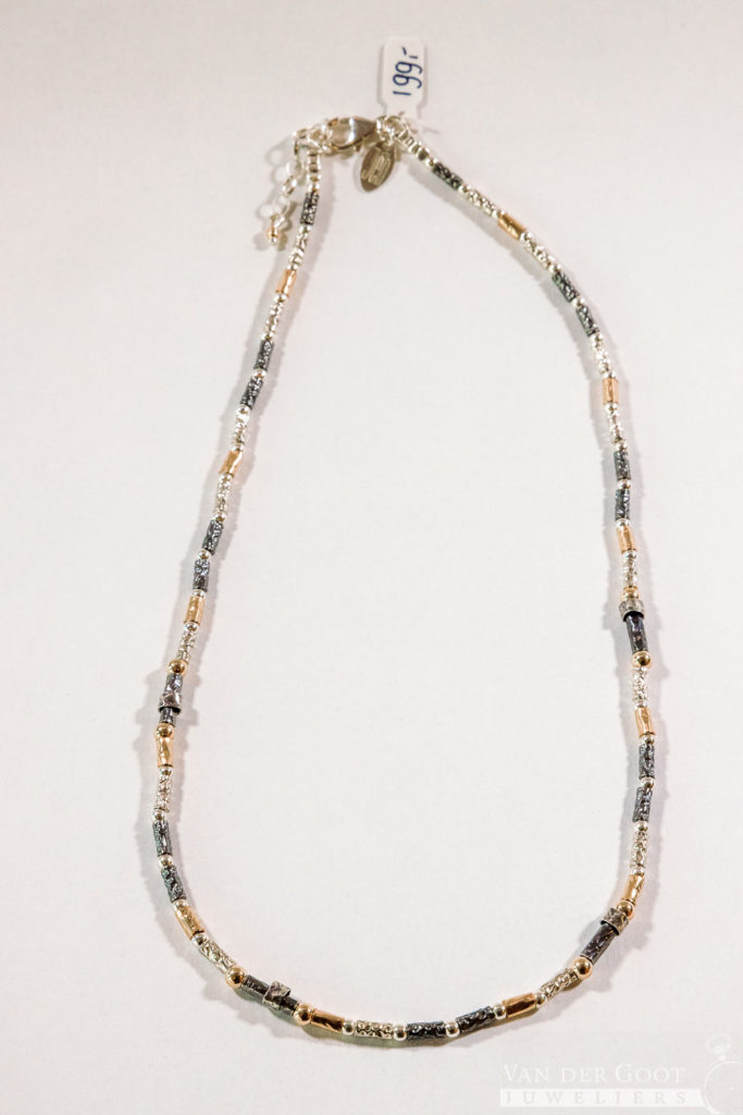 No. 685 - Collier zilver oxy + Goldfilled buisjes  47 - 51 cm  €199,-
