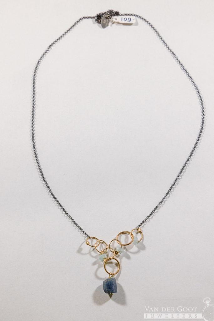 No. 316 Jeh Collier zilver oxy met Goldfilled Aquamarijn/Saffier  60 cm   €109,-