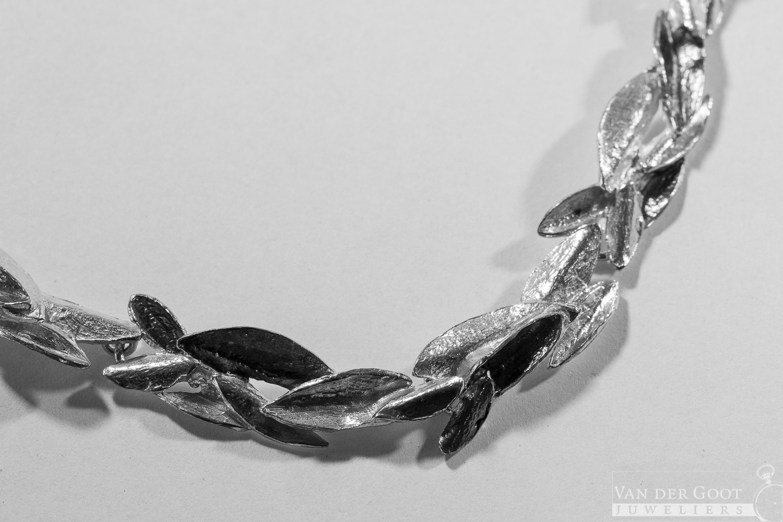 No. 630 Jeh Collier zilver oxy  47 - 50 cm  €389,-