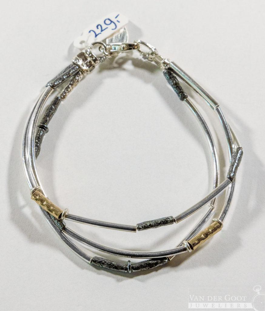No. 036 Jeh Armband drie in één  19,5 cm  €229,-